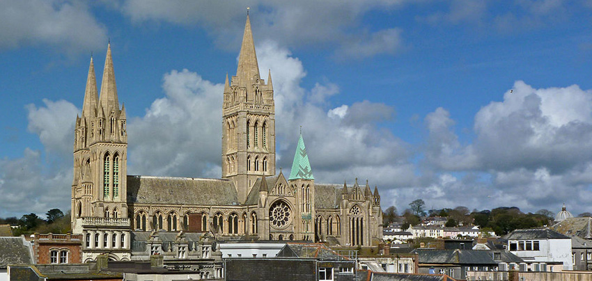 Photo By Tim Green (Flickr: Truro Cathedral) [CC BY 2.0 (http://creativecommons.org/licenses/by/2.0)], via Wikimedia Commons